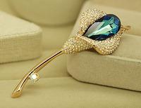 包邮XZ185高贵水晶马蹄莲可爱韩版 胸针 女复古领夹胸花别针丝扣